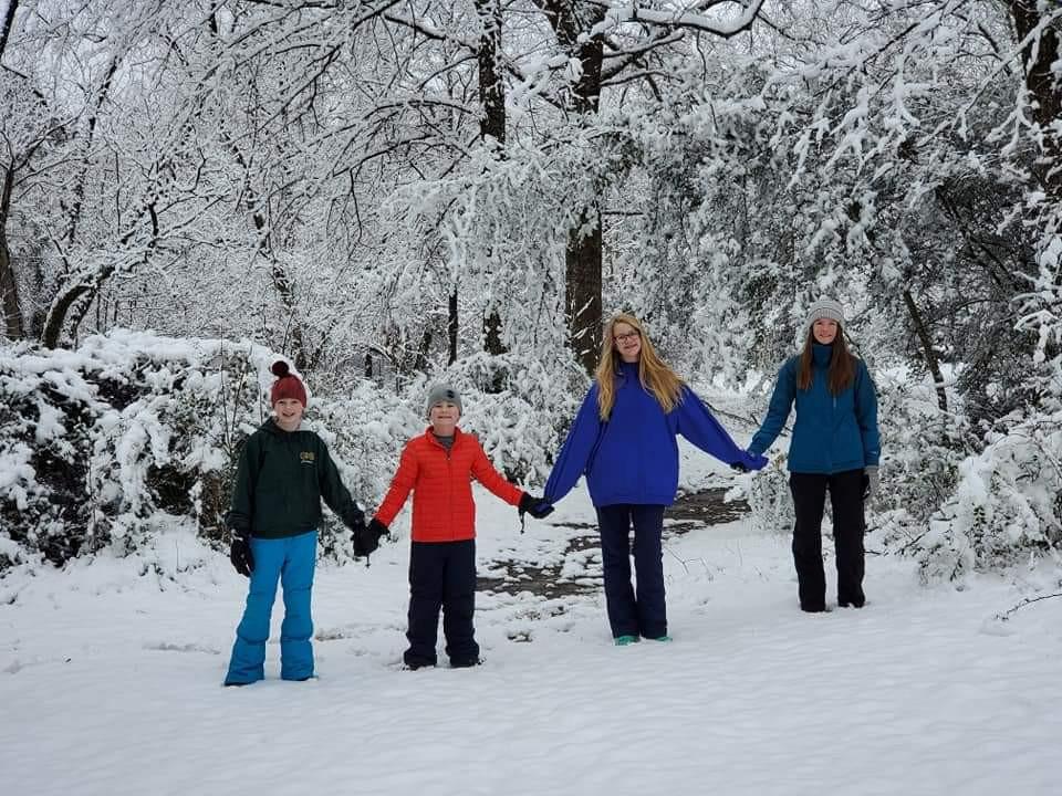 Chloe, Jett, Allie and Annie Jones
