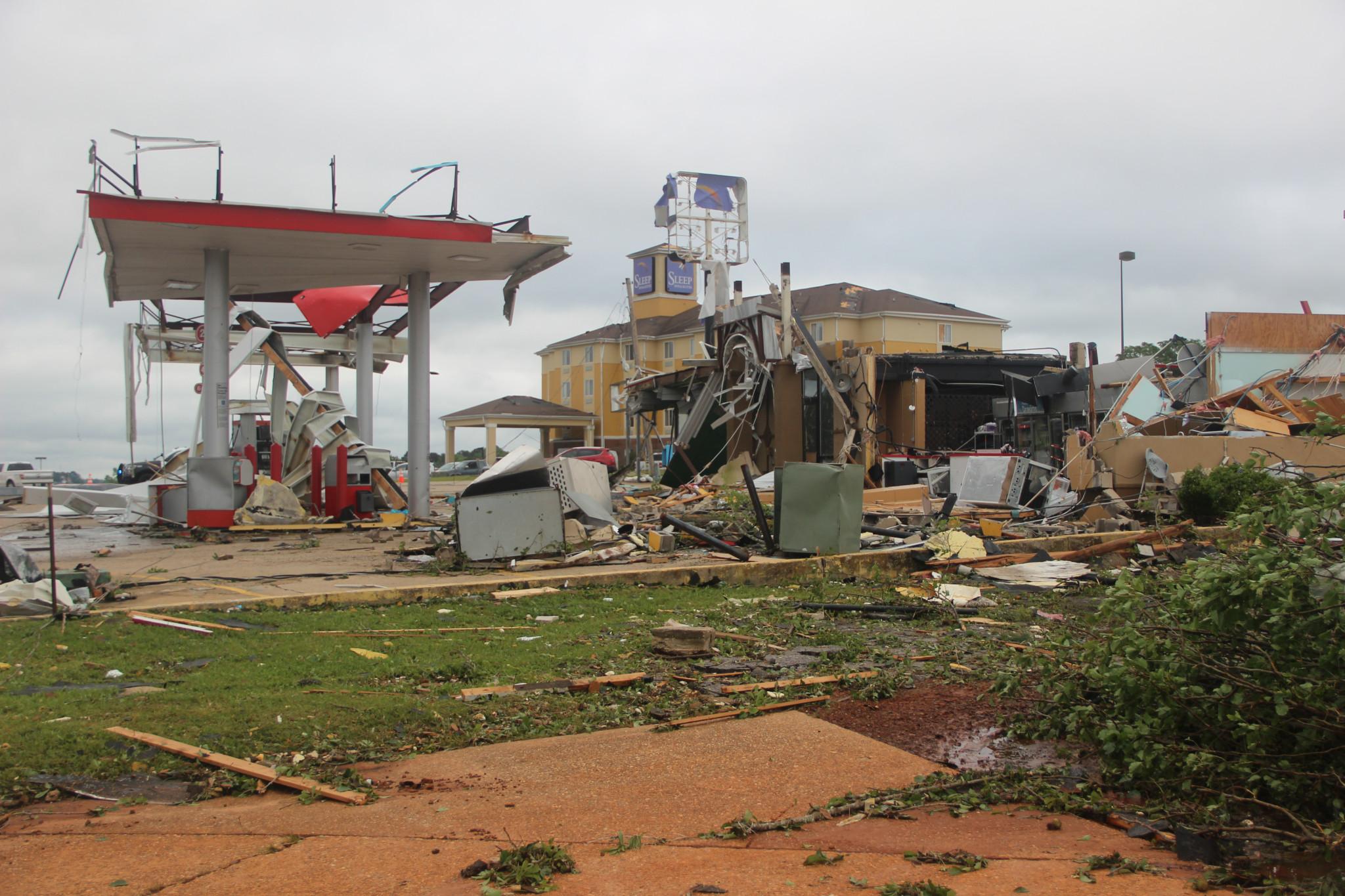 Pow Wow gas station — April25