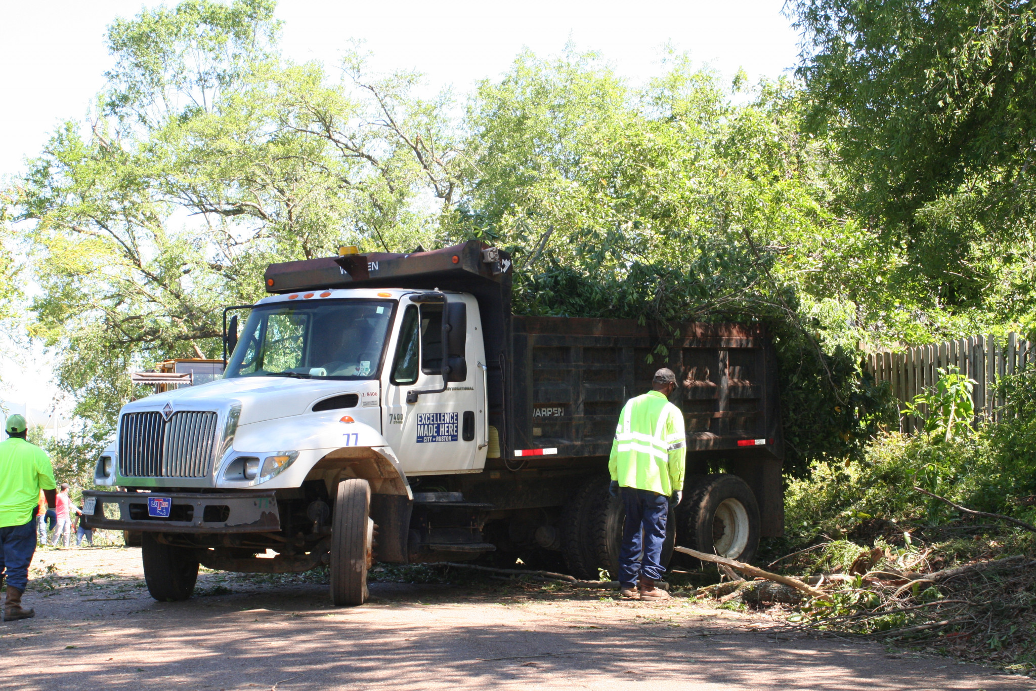 City of Ruston cleanup on Evans Street